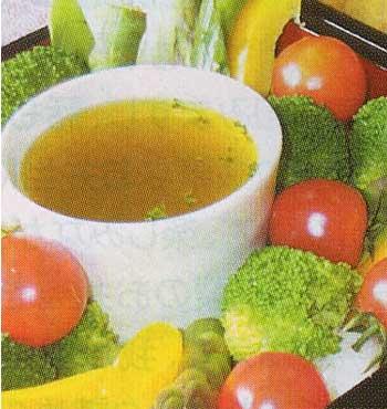 レストラン・トーイのあたたかいお風呂に入った野菜バーニャ・フレッダソース