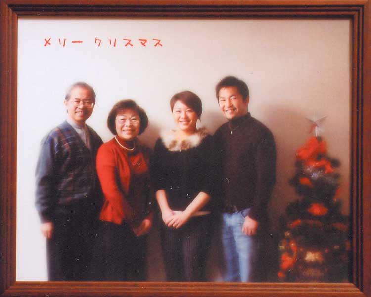 フォトスタジオタニスギで撮った家族写真