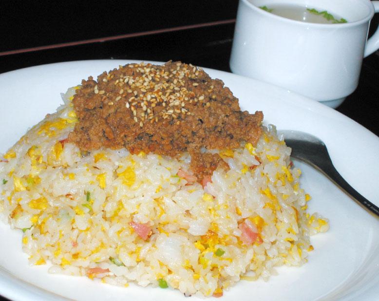 桃園飯店の肉醤チャーハン