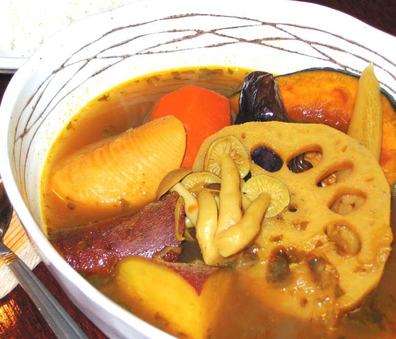 やさいばーみるやの和風根菜スープカレー