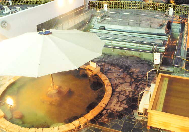 しんわの湯の露天風呂