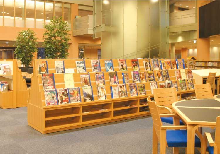 函館中央図書館雑誌コーナー
