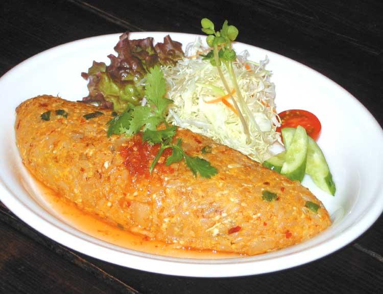 cafeハルジョオン・ヒメジョオンの鶏肉のピリ辛オムライス