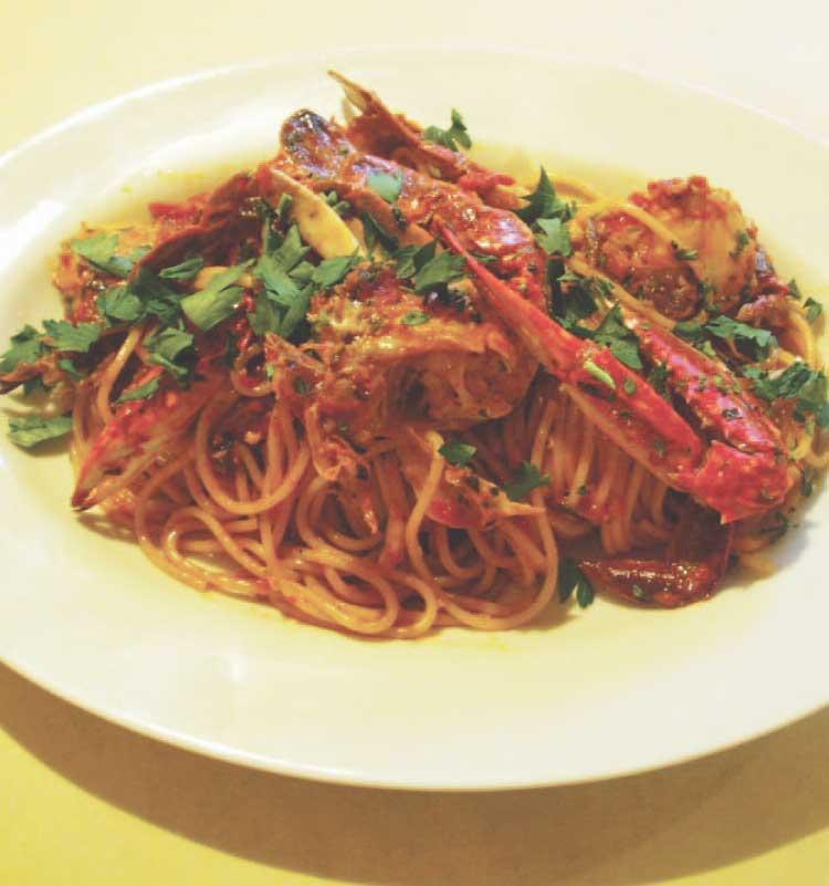 トラットリアピアッティのワタリガニのスパゲッティトマトソース