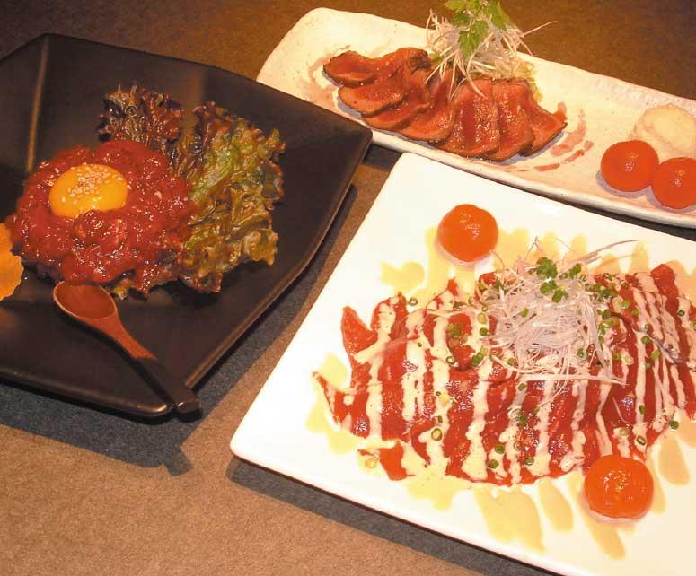 Hakodate Dining備後屋のエゾ鹿のロースト赤ワインソースとエゾ鹿のカルパッチョとエゾ鹿のユッケ