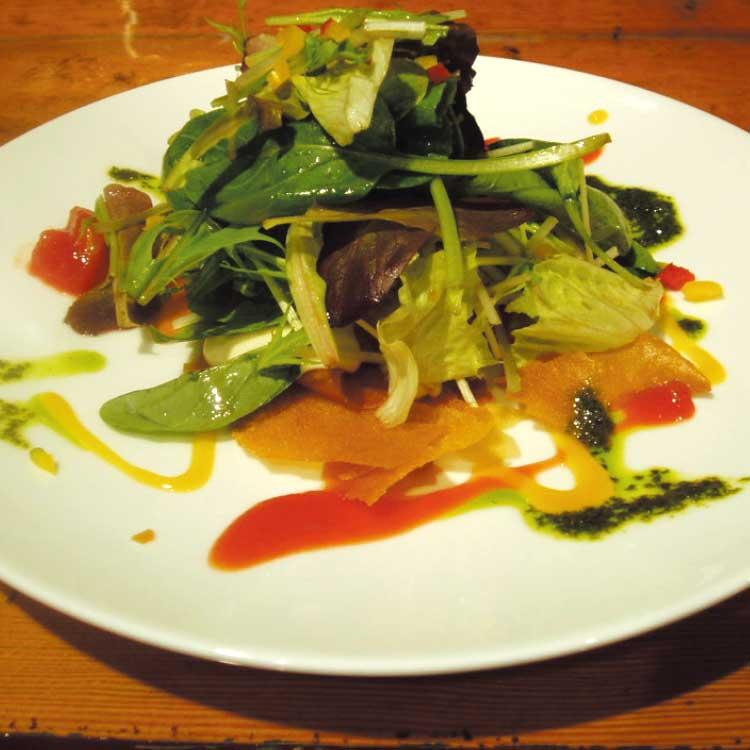 中国屋台うじうじ飯店のサラダ