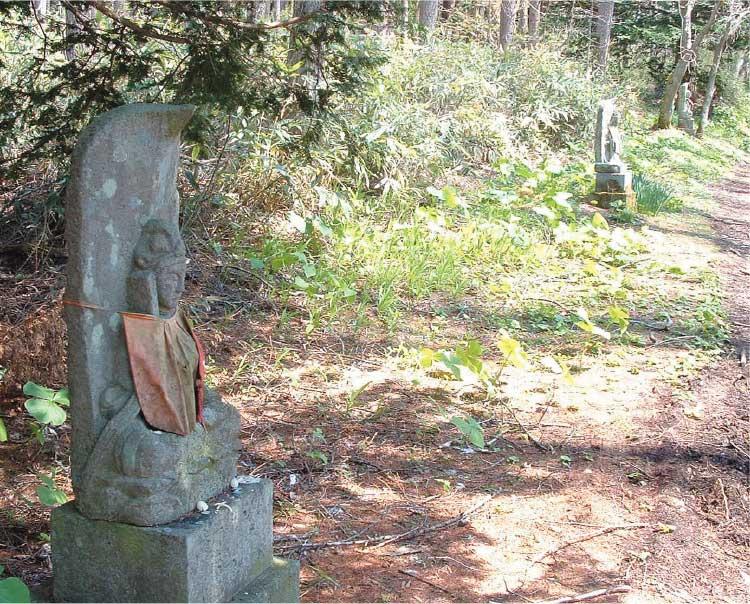 神山霊場にある石仏