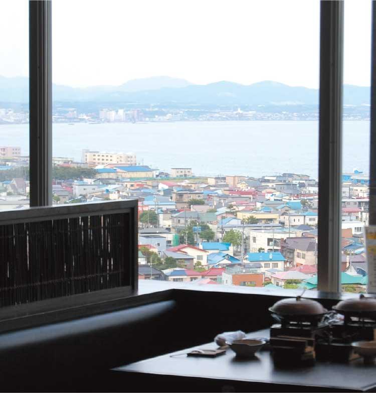 海鮮和食処沙羅の月から見える函館の町並み