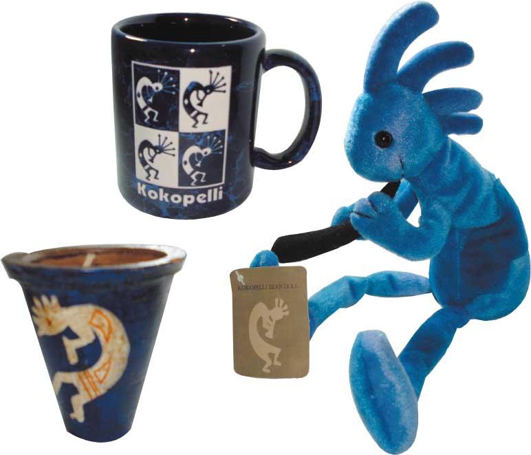 ココペリの青いマグカップとアロマキャンドルとビーンドール