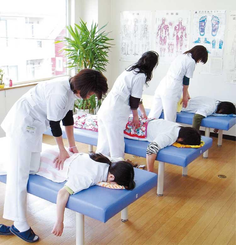 東洋医学研究学院函館校の整体コース