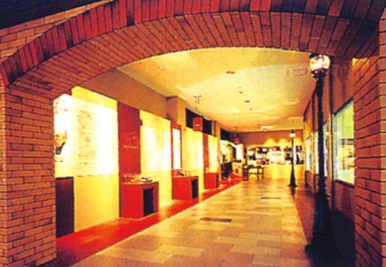 函館カール・レイモンの歴史展示スペース
