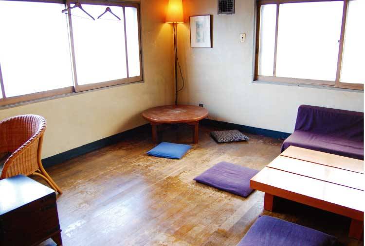 Bar木下酒店の2階ルーム