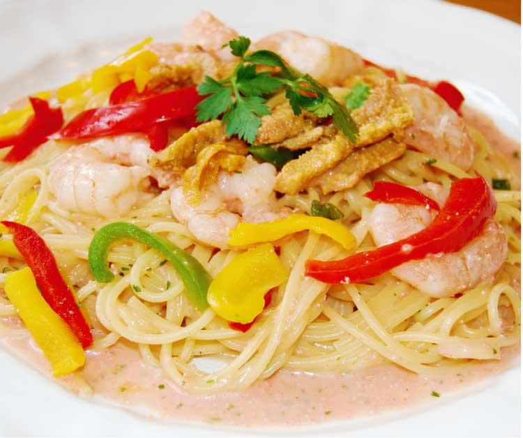 レストランPinoのうにと小海老のたらこクリームスパゲッティ