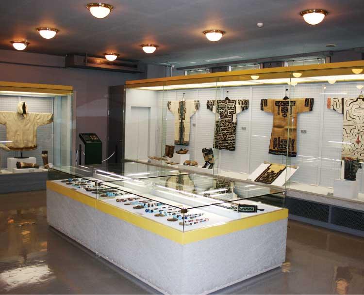 函館市北方民族資料館のアイヌ民族展示コーナー