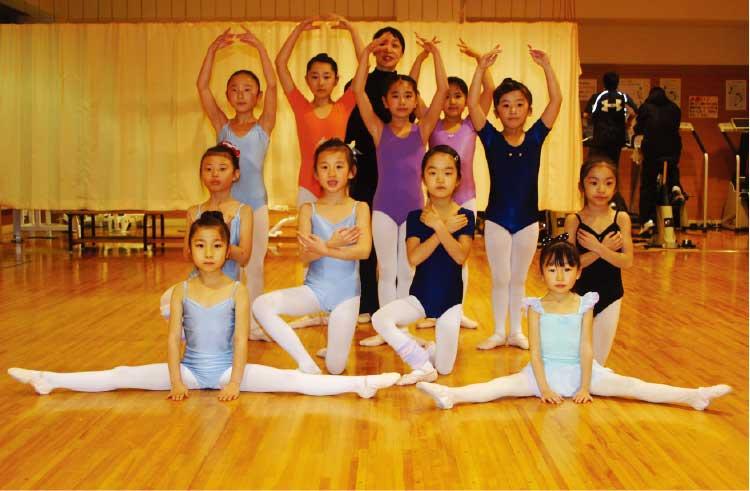 平松恵バレエ教室の生徒たち