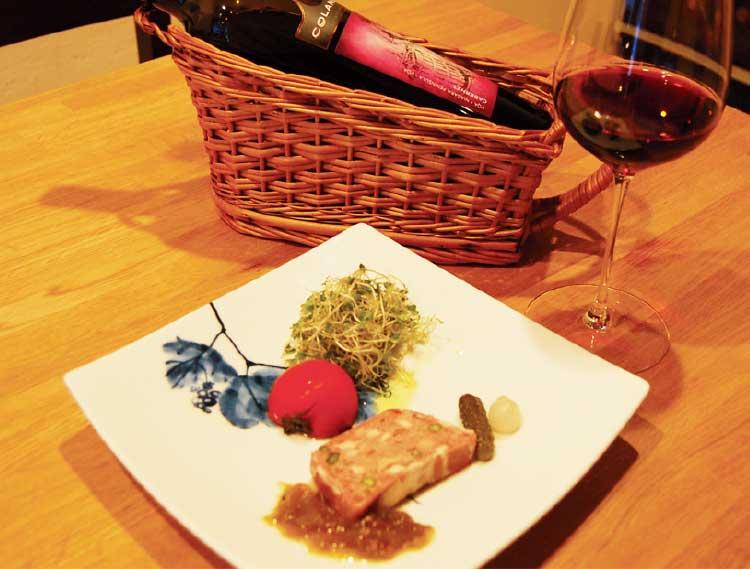 シャトー・ド・ラ・ポンプのワインとパテ
