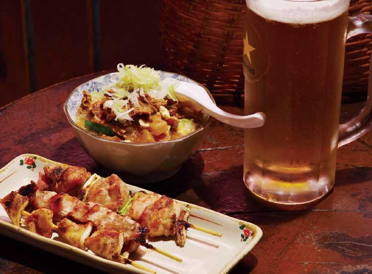 とり藤の焼鳥とモツ煮込みとビール