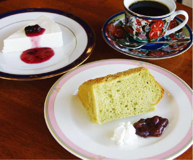 カフェフラフープの本日のケーキとコーヒー