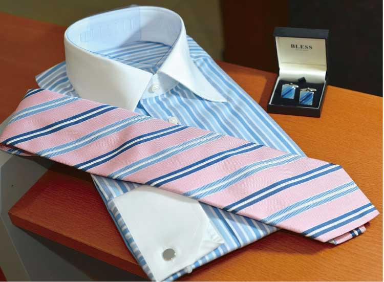 Heartsfilledのワイシャツとネクタイとカフス