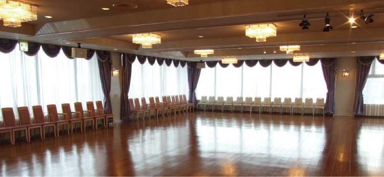 湯の川観光ホテル祥苑のダンスホール