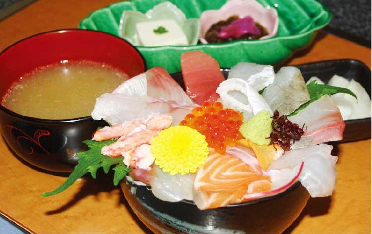 うまいもの処海と大地の海鮮丼と刺身定食