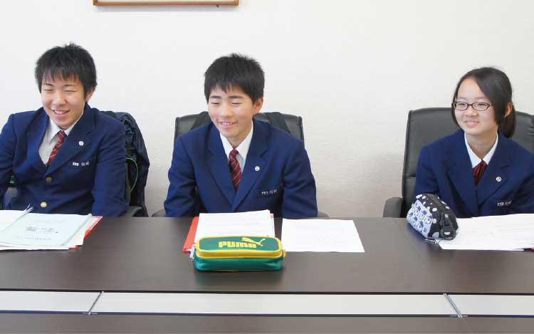 職業体験でお店の取材をしてくれた本通中学校の中学生