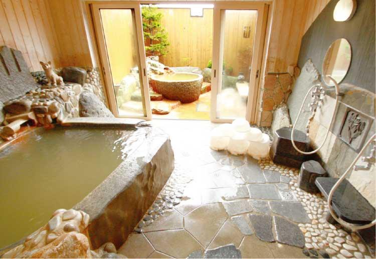 個室貸切温泉花家族のお風呂
