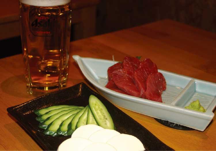 居酒屋笑まるの本まぐろの刺身とクリームチーズの西京漬