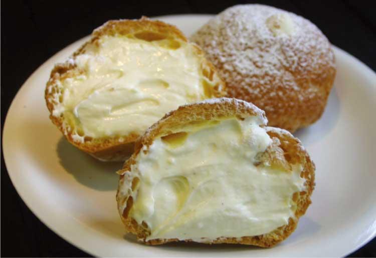 ケーキ・カフェスクエアのシュークリーム