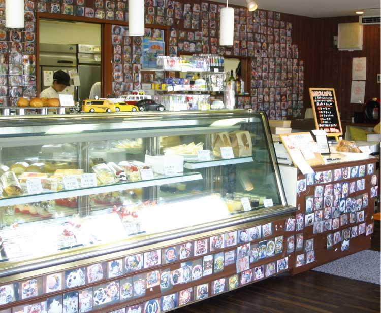 ケーキ・カフェスクエアの店内ショーケース