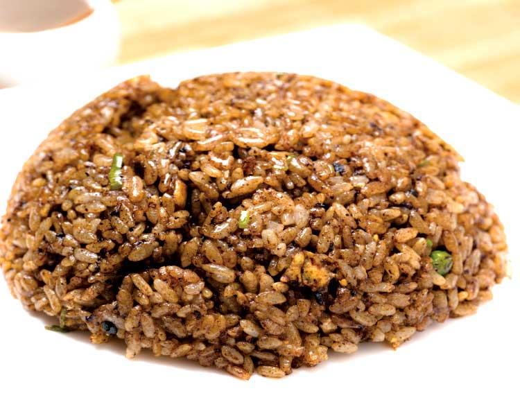麺つるつる亭のマー油炒飯