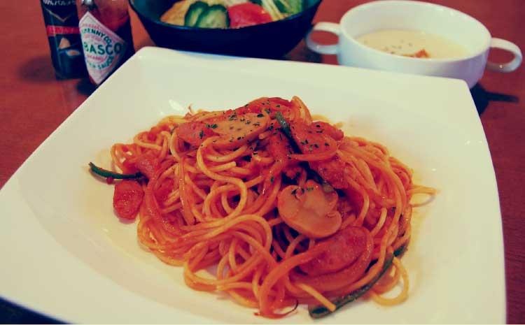 ダイニングこまつのスパゲティーナポリタン