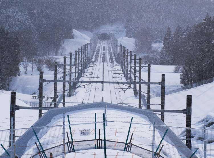 木古内新幹線展望台から見た三線軌条