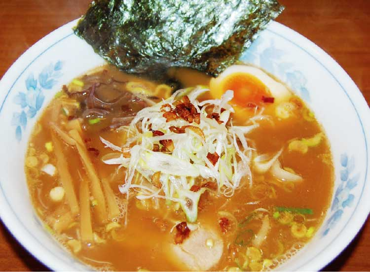 ラーメン専科麺次郎田家店のコクにぼ醤油ラーメン