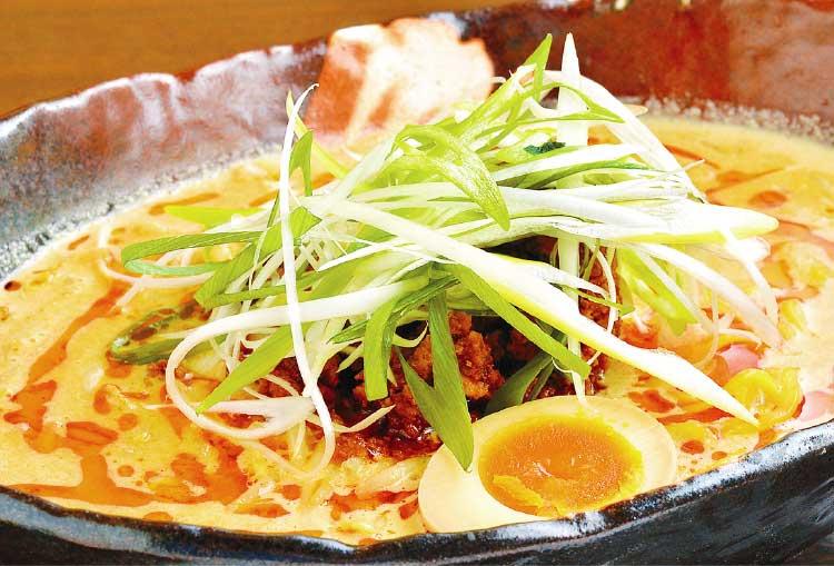 らーめん初代社の社の超たんたん麺