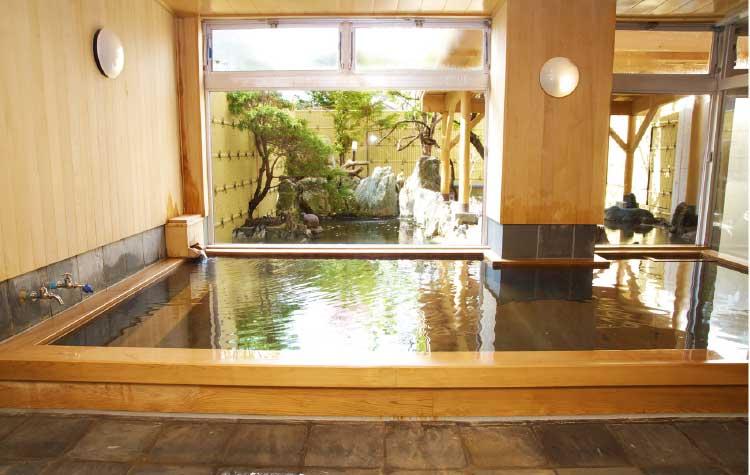 河畔亭の温泉内湯