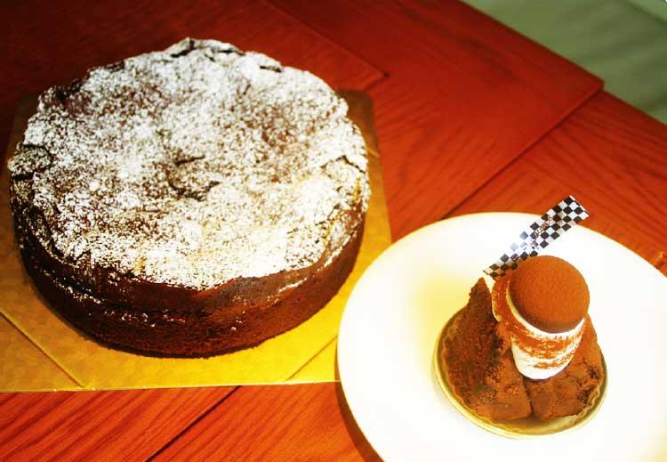 ケーキ・カフェ スクエアのチョコレートケーキ