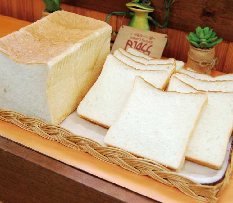 ベーカーズファクトリーブレスの食パン