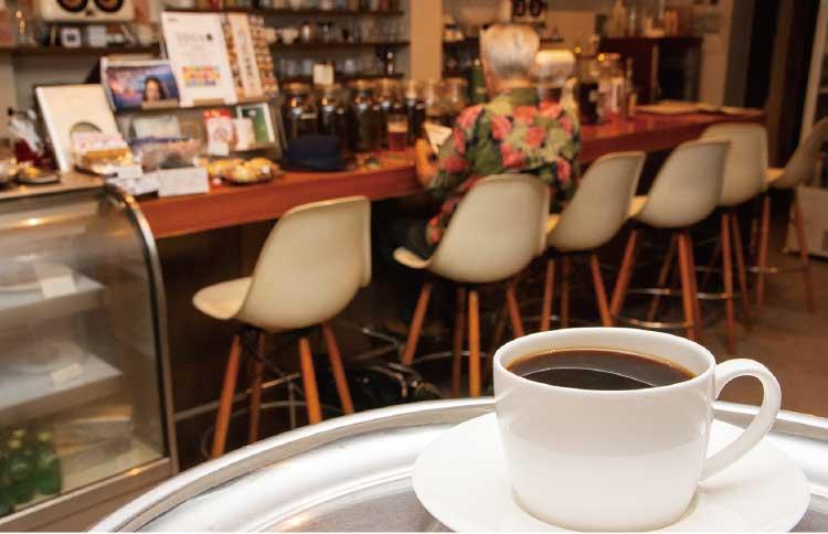 Café TUTUのTUTUブレンドと店内