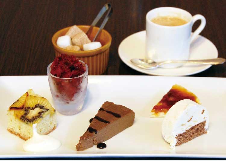 ブラッスリー・カリヨンの5種類のデザート盛り合わせ