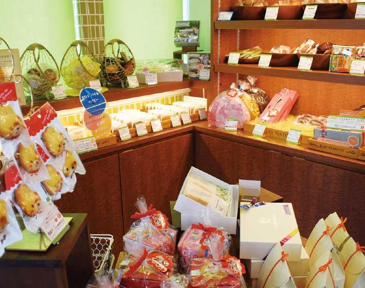カロメリアの焼き菓子コーナー