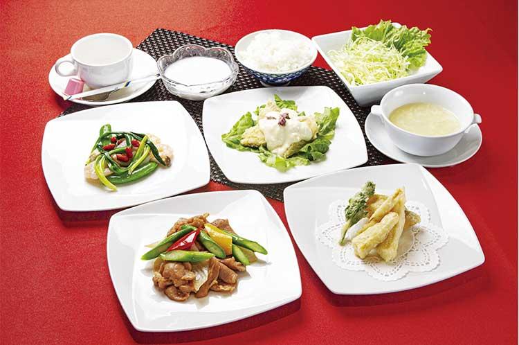 うずら温泉にある中国レストラン彩風塘の中華料理コース