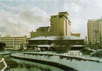 湯川温泉街