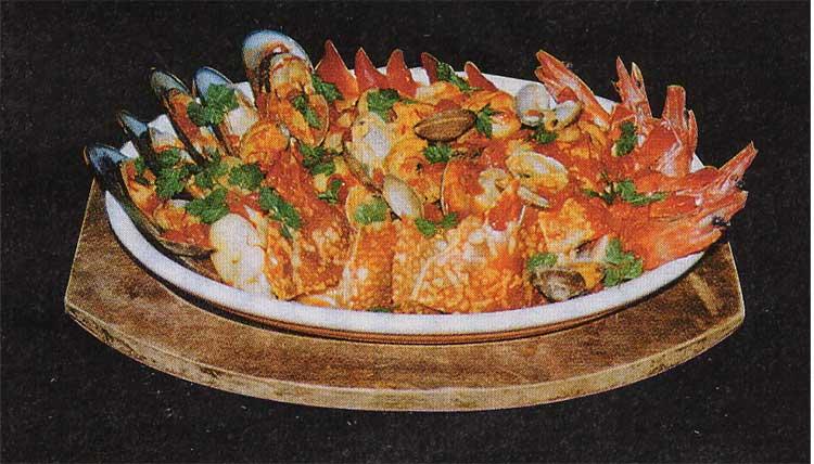 赤レンガの洋食屋さんかねもり亭の魚介のサフラン煮