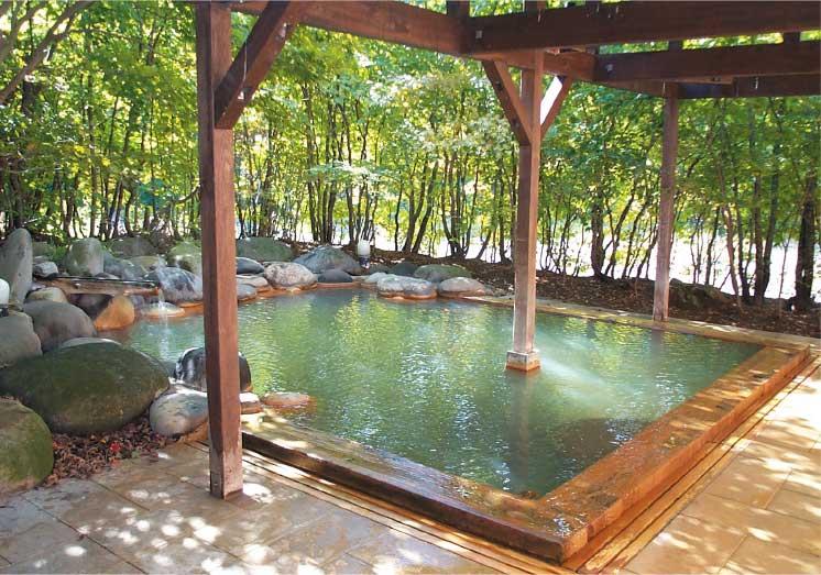銀婚湯の露天風呂