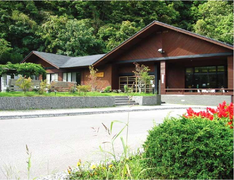 南かやべ健康村町民保養センターホテルひろめ荘外観