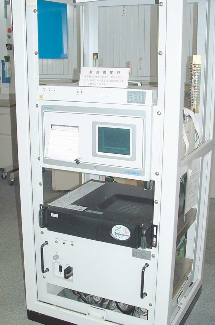 函館海洋気象台の計測震度計