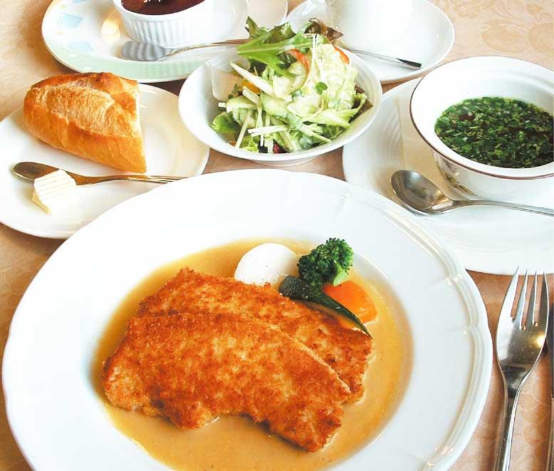 小川亭のフランス風カツレツランチセット