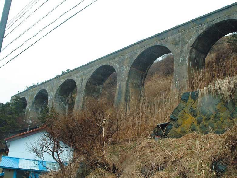旧国鉄戸井線のアーチ橋