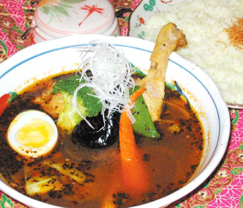 スープカレー喰堂吉田商店のチキンレッグカレー